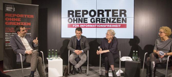 """""""Wir sind Stenografen und Mikrofonständer der Regierung geworden"""" Podiumsdiskussion Medien und Rechtsstaat"""