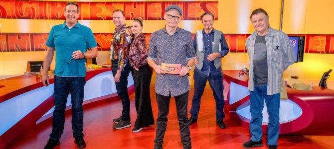 """""""Was gibt es Neues?"""" – """"Reporter ohne Grenzen (RSF) Österreich"""" kommt prominent in Österreichs beliebtester Comedy-Rate-Show vor!"""
