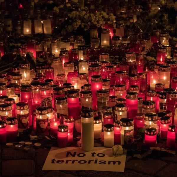 """Nach fragwürdiger Terror-Berichterstattung: """"Reporter ohne Grenzen (RSF) Österreich"""" begrüßt Verfahren der KommAustria gegen private Programmveranstalter"""