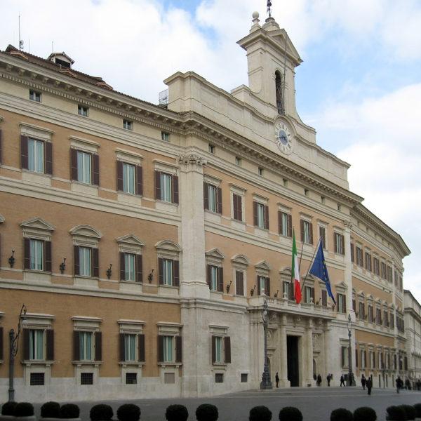 Neue italienische Regierung, angespannte Corona-Lage, Salvinis Polit-Kurs: Spannender Zoom-Talk mit ORF-Korrespondentin Cornelia Vospernik zum Nachhören!